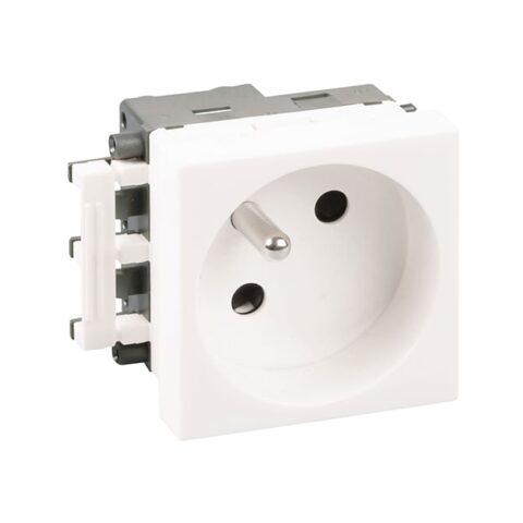 Prise 2P+T blanche complète 45X45 - 61401